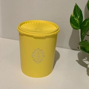 Tupperware Golden Harvest Canister Flour Set